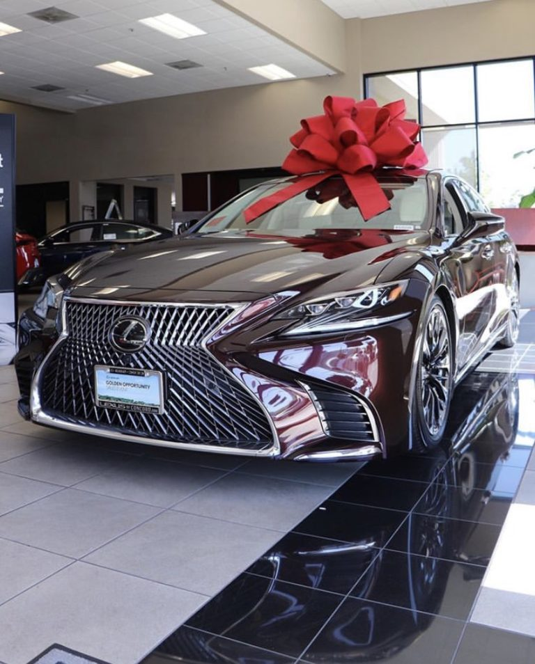 Nigerian man gifts his pregnant wife a brand new car